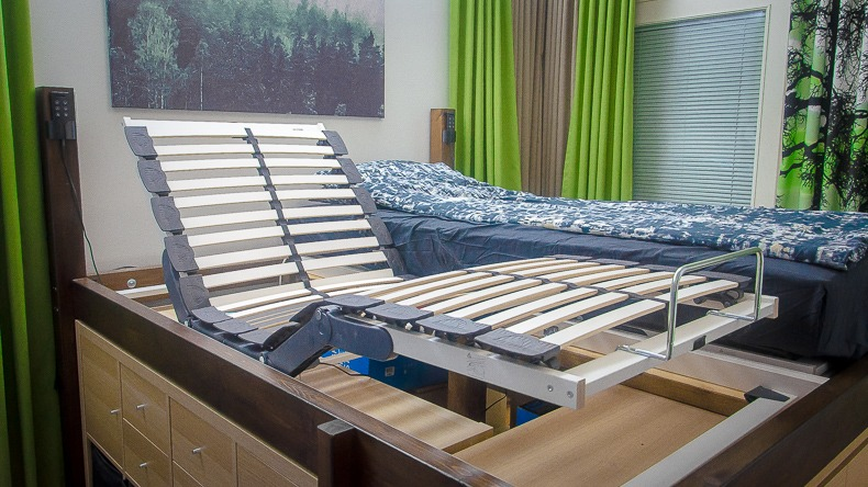 Ikea Laksevåg motorized bed
