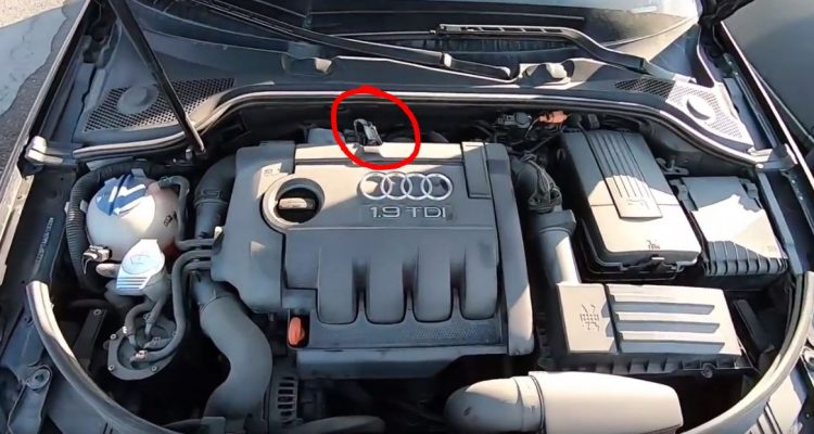 Location of the G450 Differential Exhaust Gas Pressure Sensor